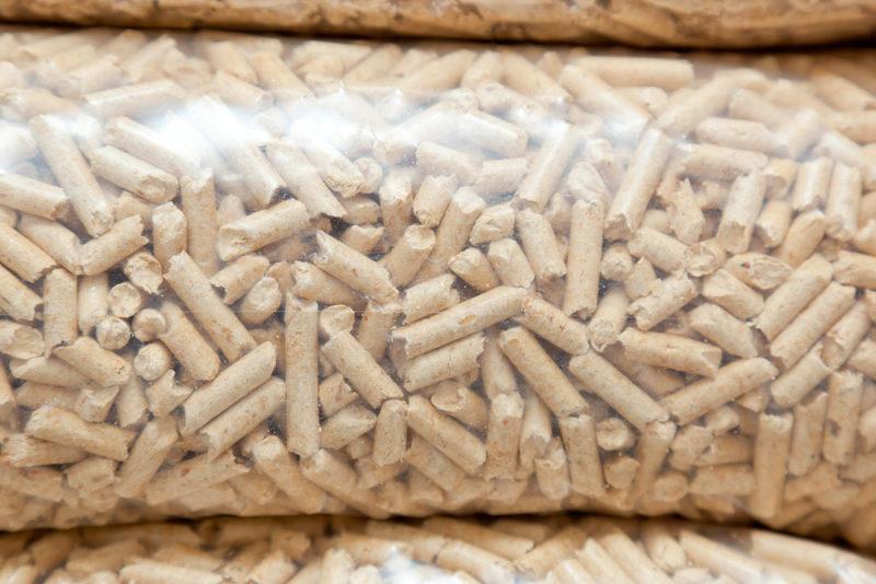 Säck med biobränsle Pellets