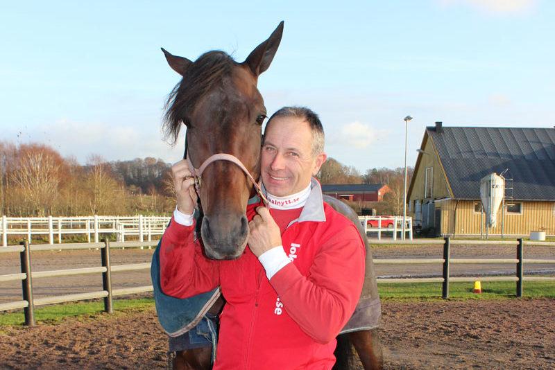 Travkusken Peter Untersteiner med häst